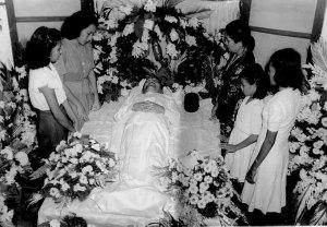 30 Juni 1949 Sam Ratu Langie meninggal dunia