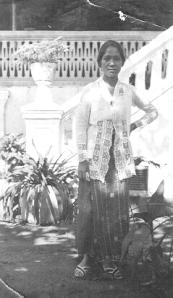 Maria Tambajong sebelum menikah