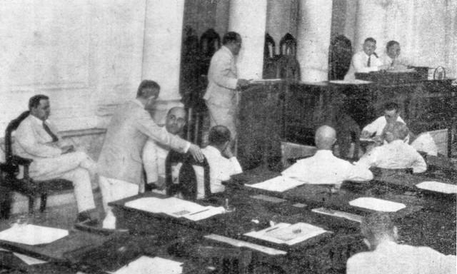 Sam Ratulangie menyampaikan Pidato Perdana di Volksraad