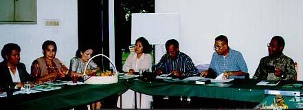 Ibu Numberi, Nora Papare, saya, Ibu & Bapak Samori, Bp. Alex Latumahina dan Bp. Bas Suebu