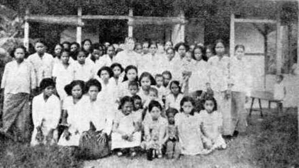 Ibu2 Serui (1947)