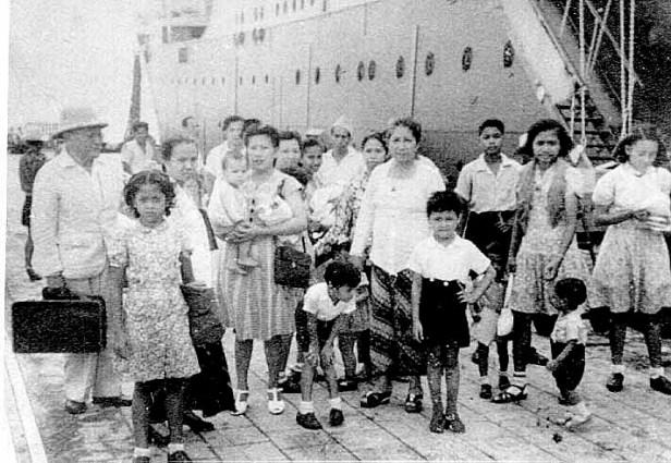 Keluarga2 ex buangan dari Serui tiba di Tanjung Periuk