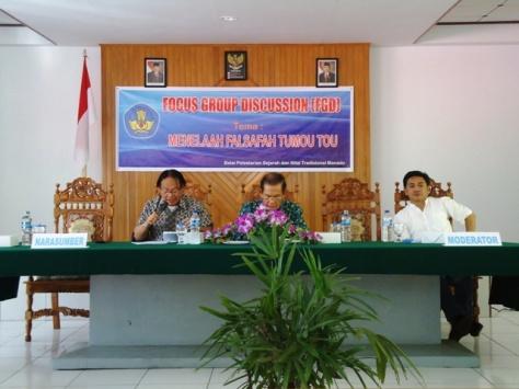 Menghadiri diskusi tentang satu filsafah MINAHASA