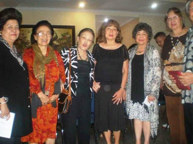 Roos W. Uki S., Lani, Baasje, Mayke, Sally T.